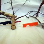 Couteau et scie pour kit de survie